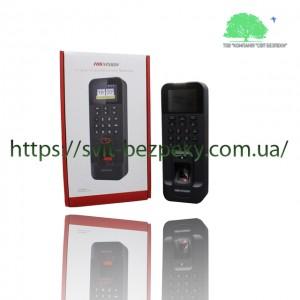 Биометрический терминал контроля доступа Hikvision DS-K1T804EF